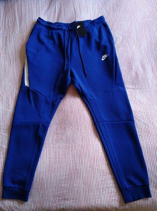 Pantalón Nike nuevo a estrenar talla XL.
