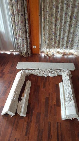 Frontal de chimenea en mármol