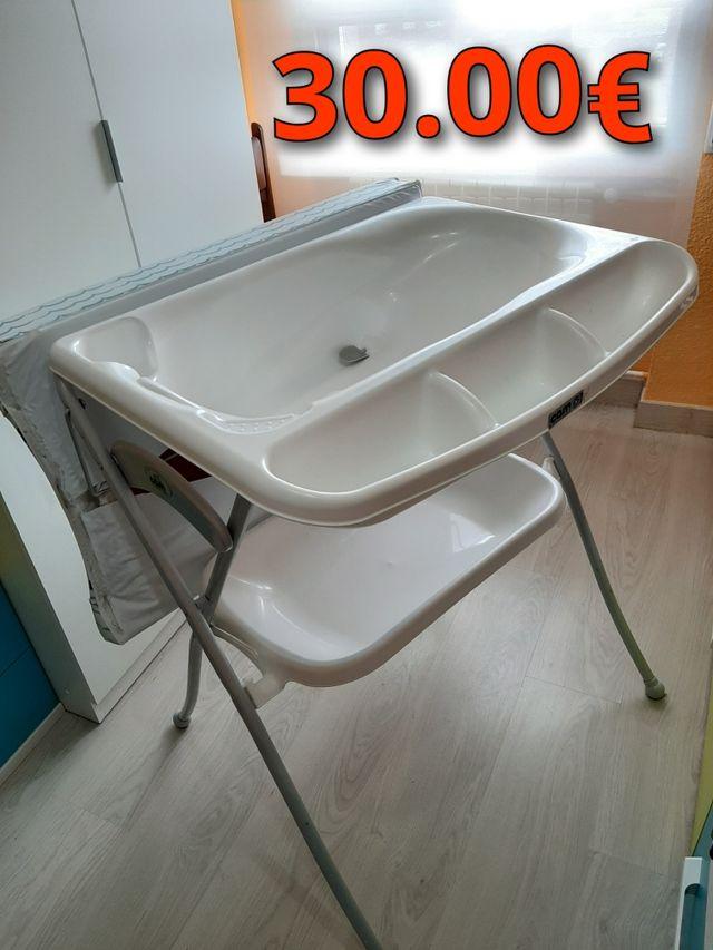 Bañera-cambiador plegable de la marca Cam
