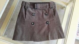 falda Mango de pana con botones y cinturón. Talla