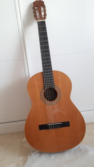 Guitarra Clásica Admira Modelo Sevilla