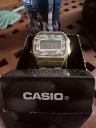 Reloj Casio de oro