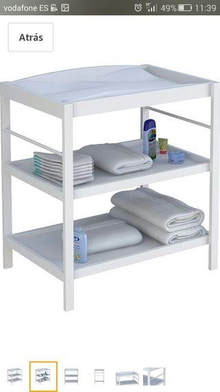 cambiador de bebé con estantes