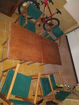 Juego de mesas y sillas plegable