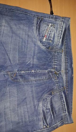 pantalon Diesel talla 40 hombre nuevo