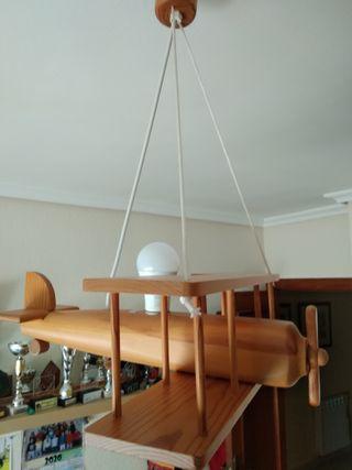 Lámpara avión de madera