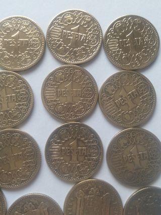 140 monedas de una peseta 1944
