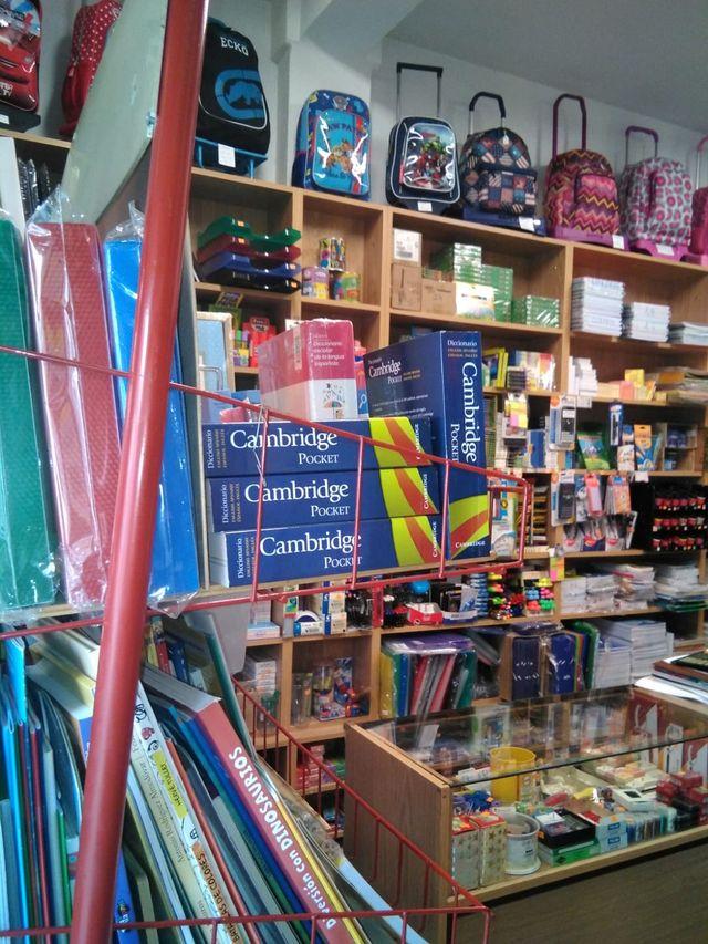 Papelería librería se traspasa por jubilacion