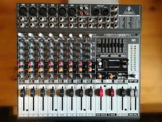 Mesa de mezclas Behringer Xenyx 1222 FX