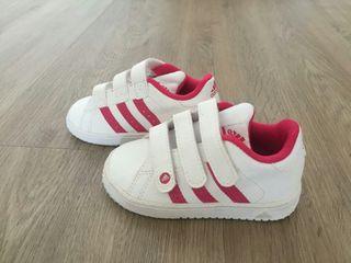NUEVAS bambas Adidas talla 21