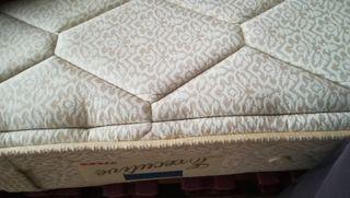 cama y colchón seminuevo
