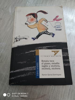 Libro Renata toca el piano, estudia ingles etcéter
