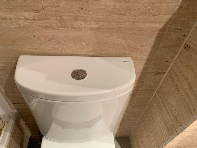Baño Taza de Inodoro Roca. completo