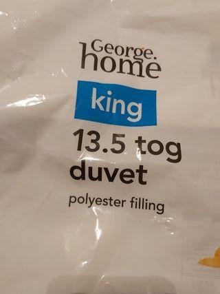 13.5 tog duvet w polyester filling unused