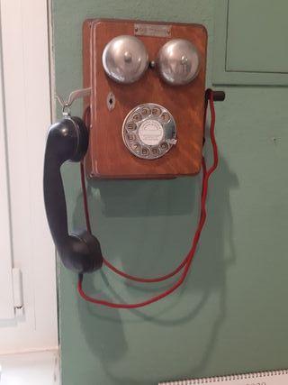 Teléfono antiguo madera y baquelita