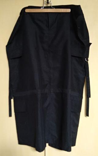 Falda larga gris oscura de la marca Seven
