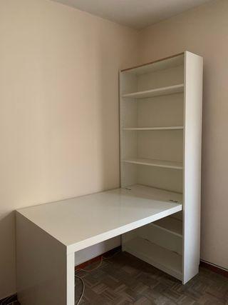 Combinación escritorio KALLAX y librería BILLY