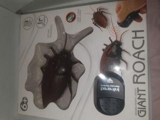 cucaracha eléctrica a control remoto
