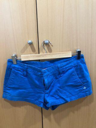 Short corto azul