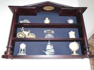 Expositor miniaturas de relojes de cristal