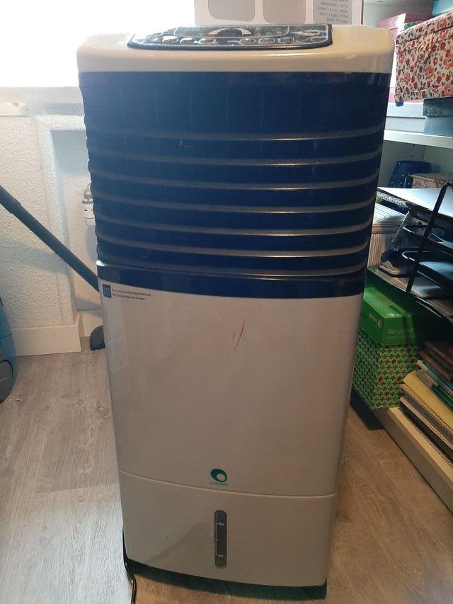 Climatizador evaporativo con calefacción