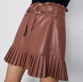 Falda cuero PU color marrón
