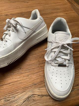 Nike Air Force blancas talla EUR 40