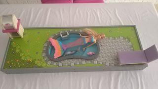Gran Jardín con Piscina Barbie