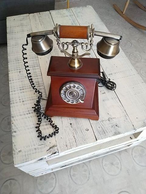 Teléfono modelo antiguo