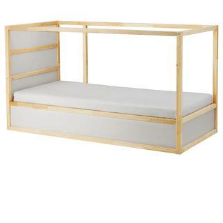Litera IKEA Kura, con dos somiers (sin colchones)