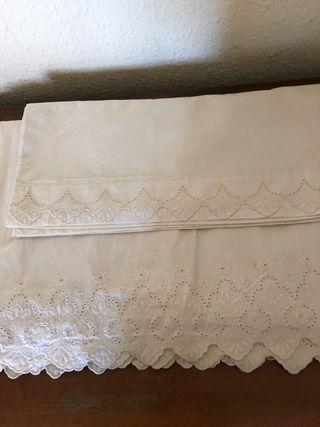 Sabana superior y almohada hilo bordado a mano 150