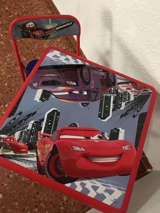 Mesa y silla de Cars