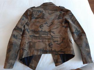 Chaqueta de Zara militar con tachuelas