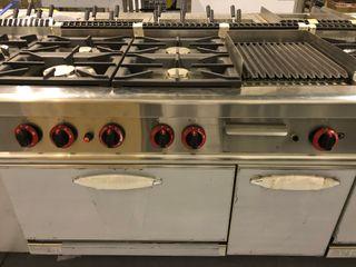 Cocina 4 fuegos con horno y barbacoa