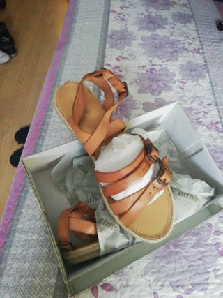 sandalias de tiras, solo 1 puesta. T 41