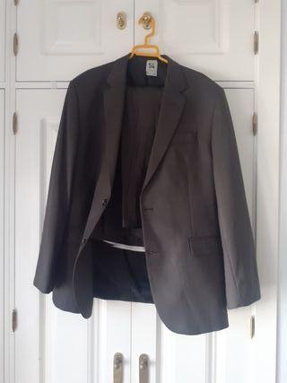 traje chaqueta y pantalón