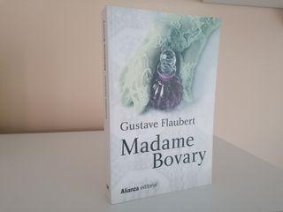 pack 2 libros Madame Bovary y Cien años de soledad