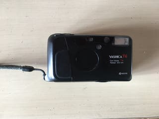 Yashica T4 lente carl zeiss