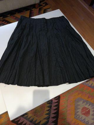 falda negra}