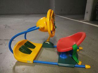Coche pedales juguete