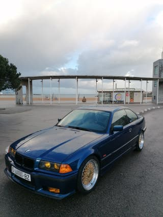 BMW e36 coupe 323i
