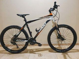 Bicicleta de montaña Giant Talón Twenty six Serie