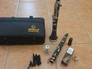 clarinete no utilizado apenas desprecintado