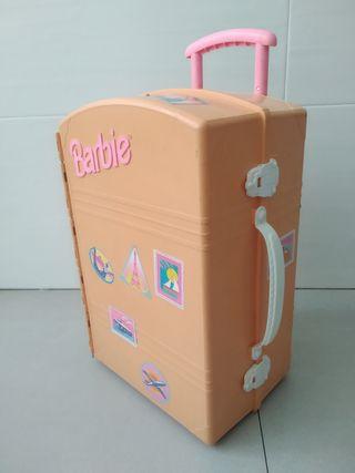 Maleta habitación de Barbie.