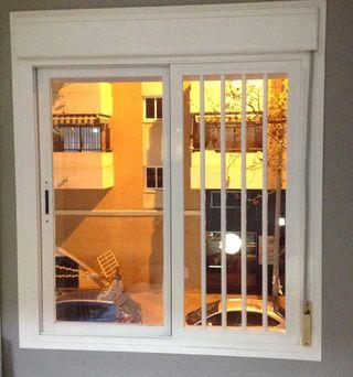 Reja de aluminio encajable para media ventana