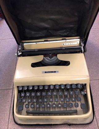 Màquina escribir olivetti