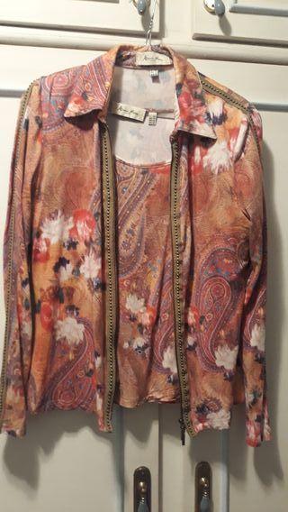 Conjunto chaqueta y camiseta