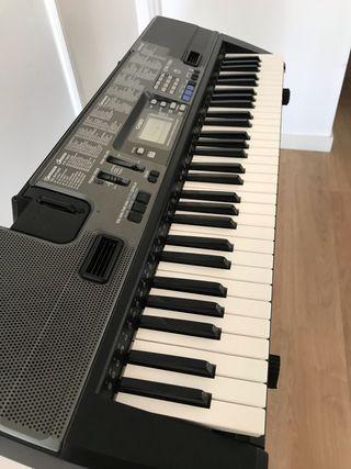 Teclado de piano Casio CTK-720