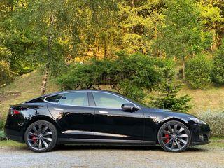 Tesla Model S P85D 700CV 2016