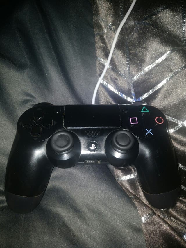 playstation 4 1TB with games and controller